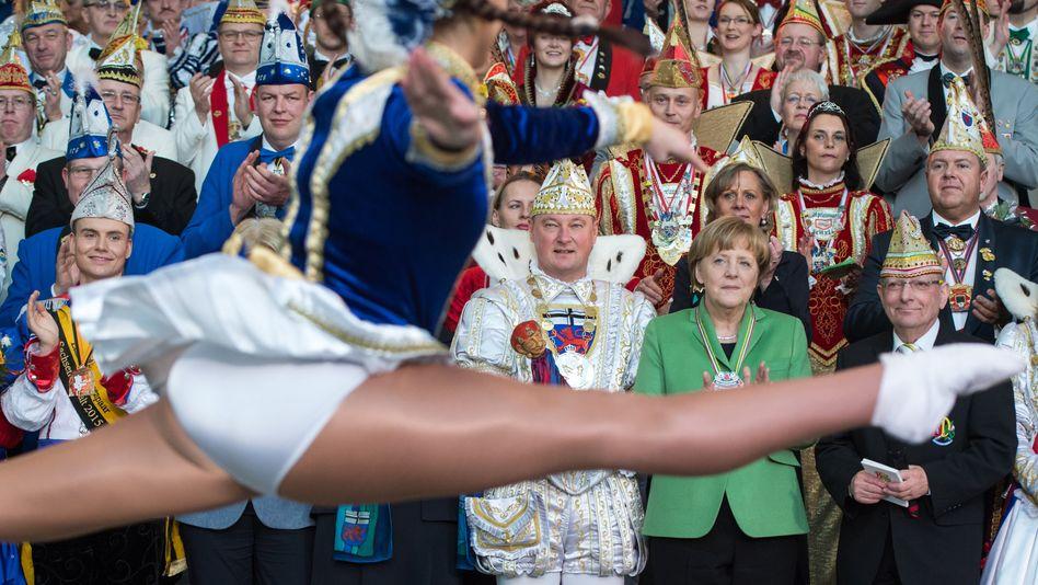 Karnevalsfeier in Berlin: Mit dem Teilen mancher Fotos und Videos sollte man vorsichtig sein