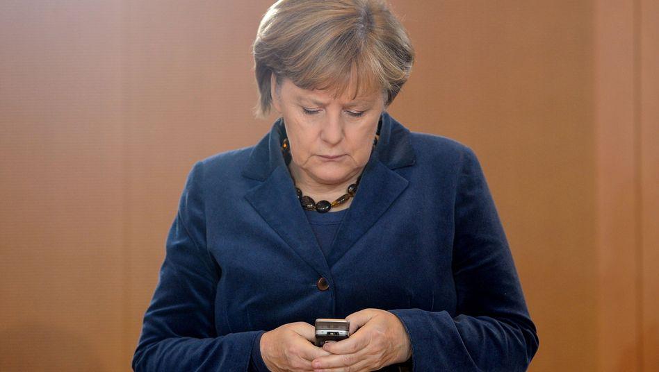 """Kanzlerin Merkel (Archivbild): """"Ist das seine Nummer?"""""""