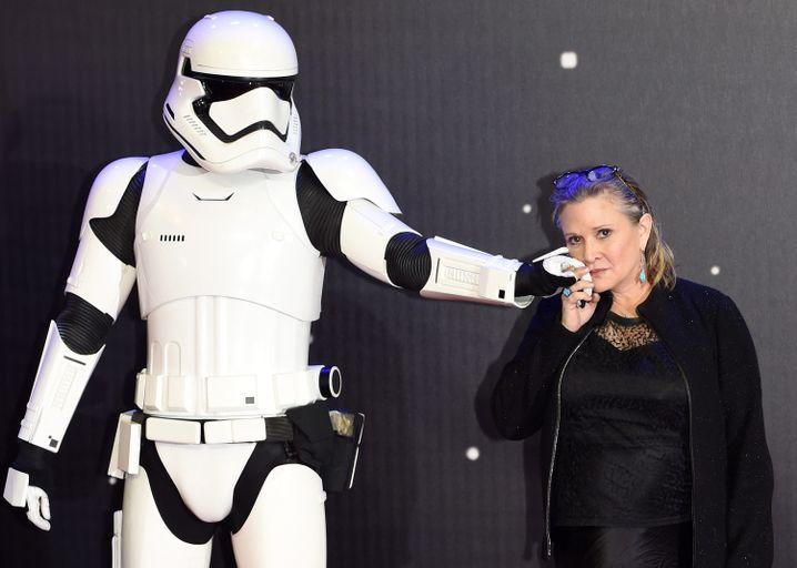 """Carrie Fisher 2015 bei der Premiere von """"Das Erwachen der Macht"""""""