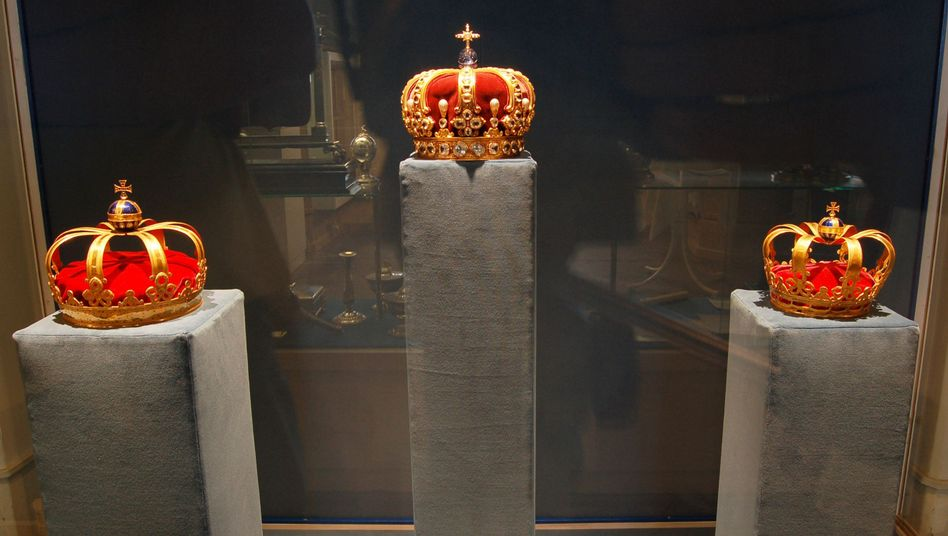 Kronen von König Friedrich I., Kaiser Wilhelm II, und Königin Sophie Charlotte: Heute werden sie ausgestellt