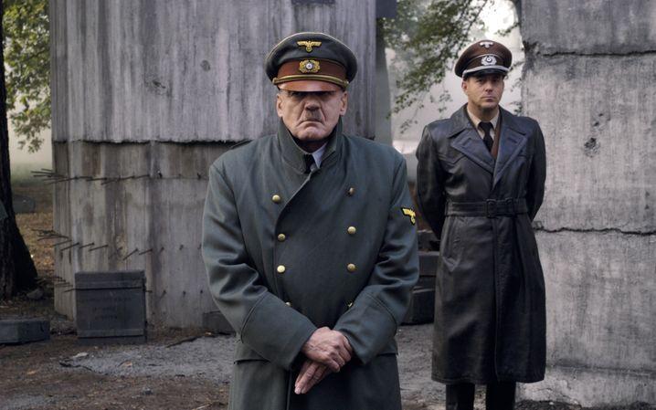 """Adolf-Hitler-Darsteller Bruno Ganz, Albert-Speer-Darsteller Heino Ferch in """"Der Untergang"""": Bösartige Menschen in denkbar schlechter Gesellschaft"""