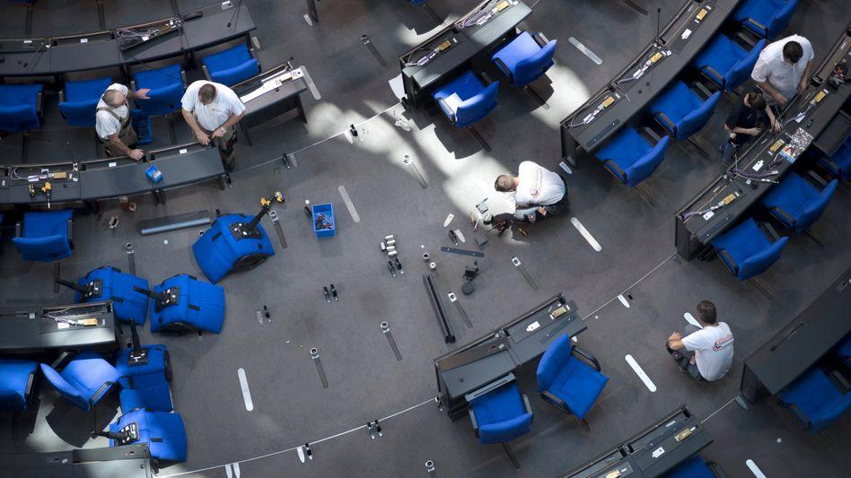 Plenarsaal des Bundestags: In den Sälen könnte es eng werden