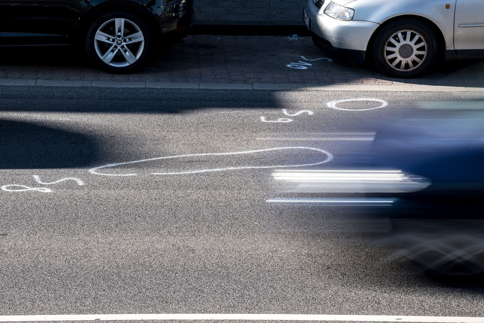 Tödlicher Unfall bei illegalem Autorennen in Mönchengladbach