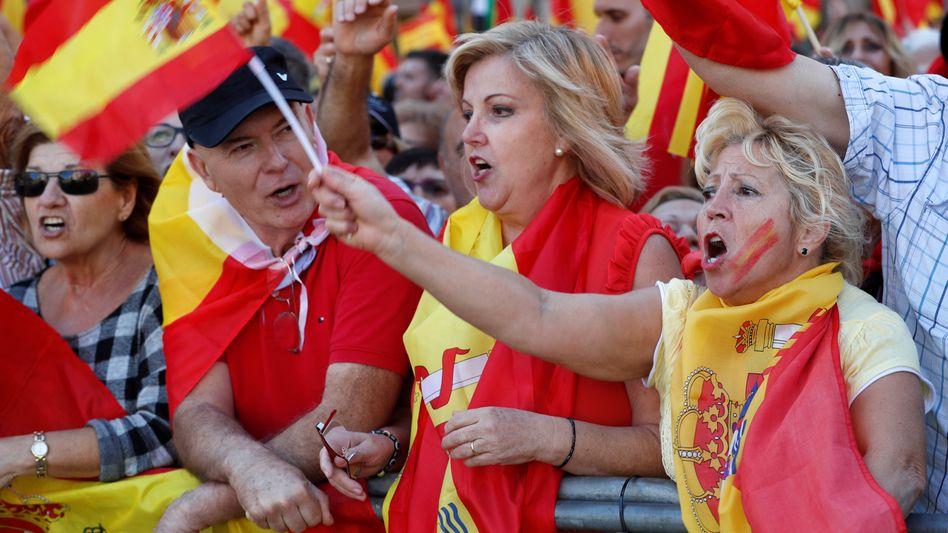 Pro-Spanien-Demo in Barcelona: Gegner der Unabhängigkeit verspüren Aufwind