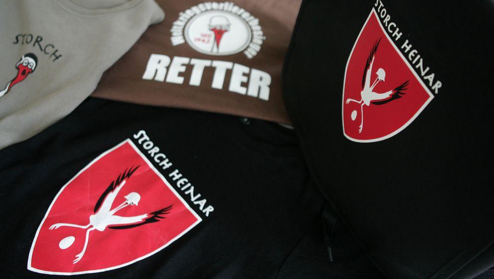 """""""Storch Heinar"""": Ein Vogel gegen Neonazis"""