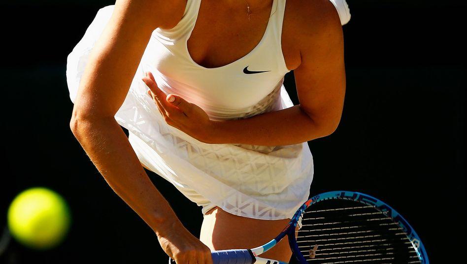 Marija Scharapowa im Halbfinale gegen Serena Williams: Tennisspielen hört sich bei der Russin nicht nur nach Arbeit an, es sieht auch so aus