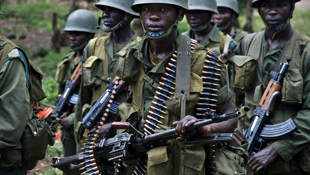 """Jahrhundertbuch """"Kongo"""": Ausgebeutet und ausgeblutet"""