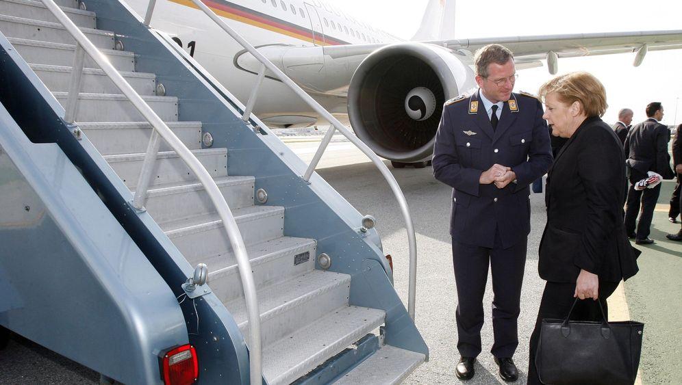 Flugverkehr in Europa: Warten auf die Wolke