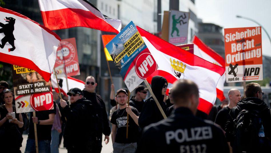 NPD-Anhänger (2014 in Berlin): Sind sie eine Bedrohung der deutschen Freiheitsordnung?
