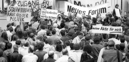 Auflösung der Stasi-Unterlagen-Behörde: Was wird jetzt aus meiner Akte?