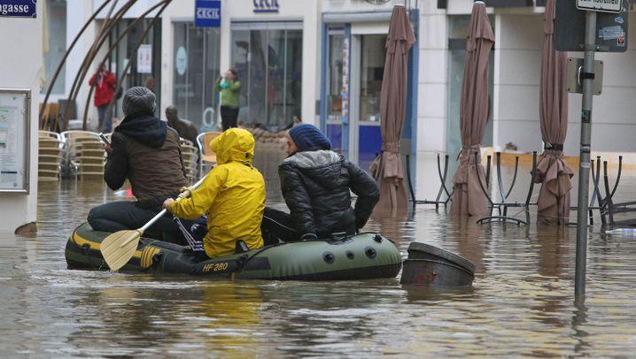 Hochwasser: Fluten in Deutschland