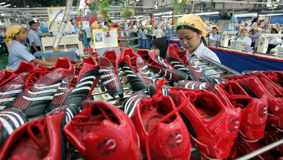 """Arbeiterin bei einem Adidas-Zulieferer in Indonesien: """"Ergebnisoffene Diskussion"""""""