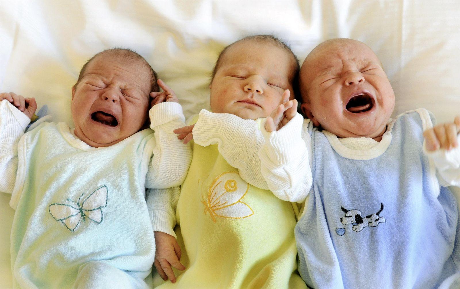 Babys schreien / Muttersprache