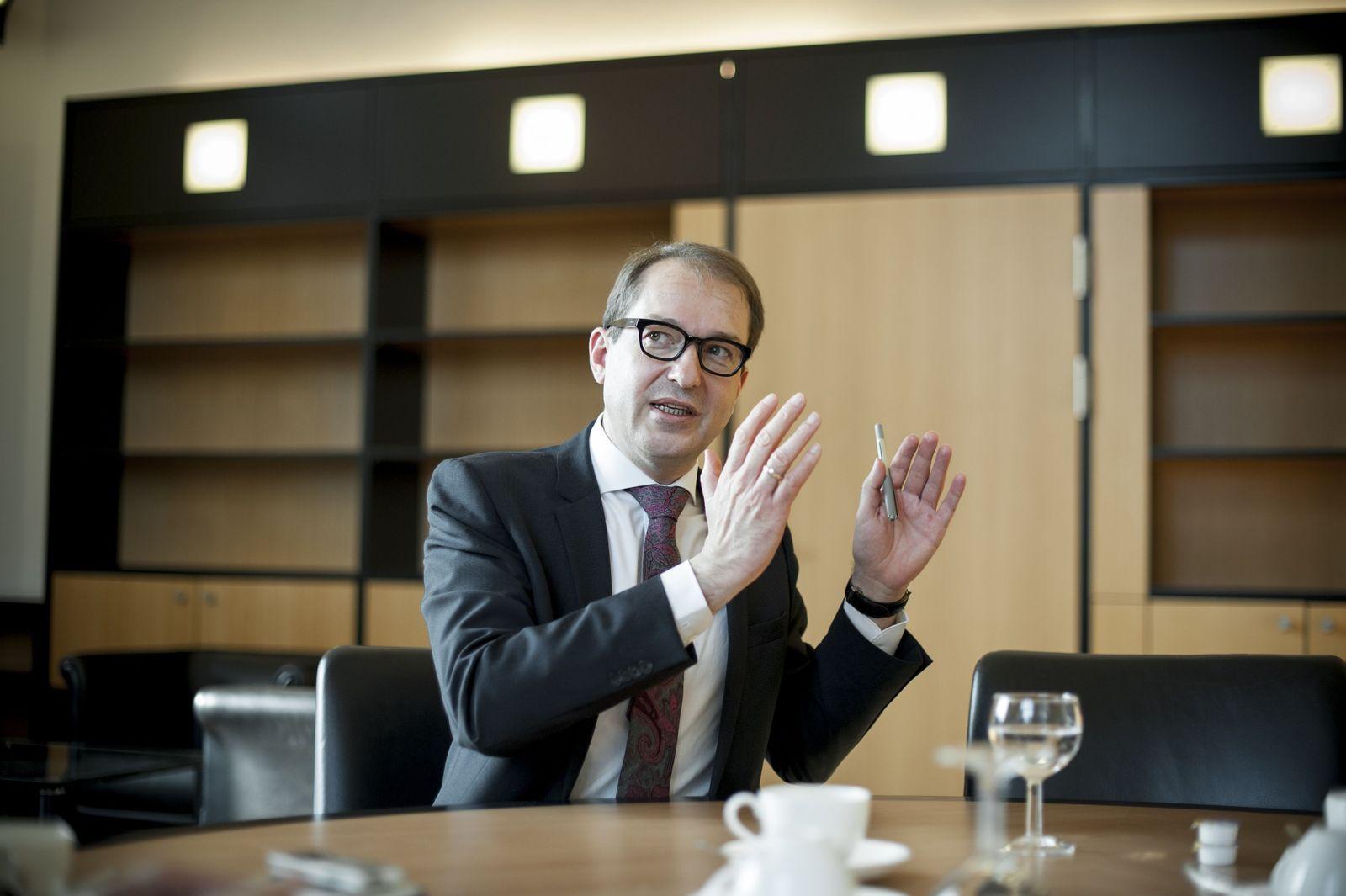 EINMALIGE VERWENDUNG Alexander Dobrindt / Interview