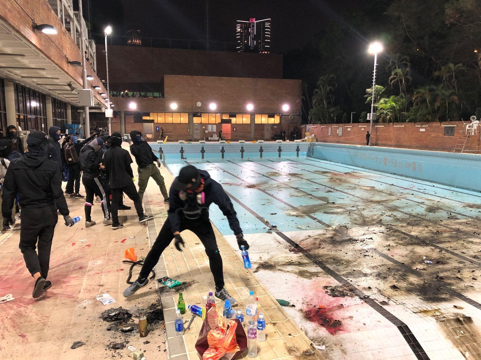 EINMALIGE VERWENDUNG Proteste in Hongkong/ Interview