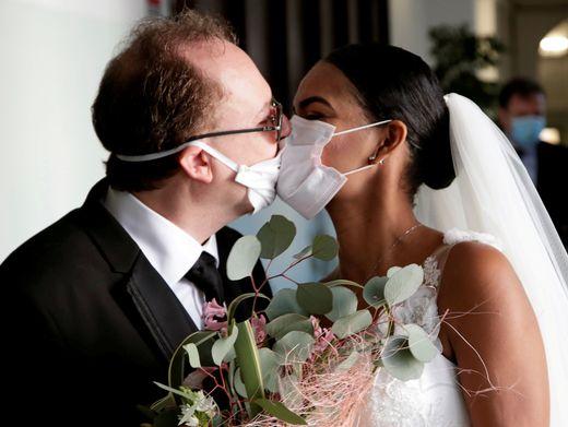 Hochzeit in Corona-Zeiten: Das Virus hält sie nicht vom Heiraten ab