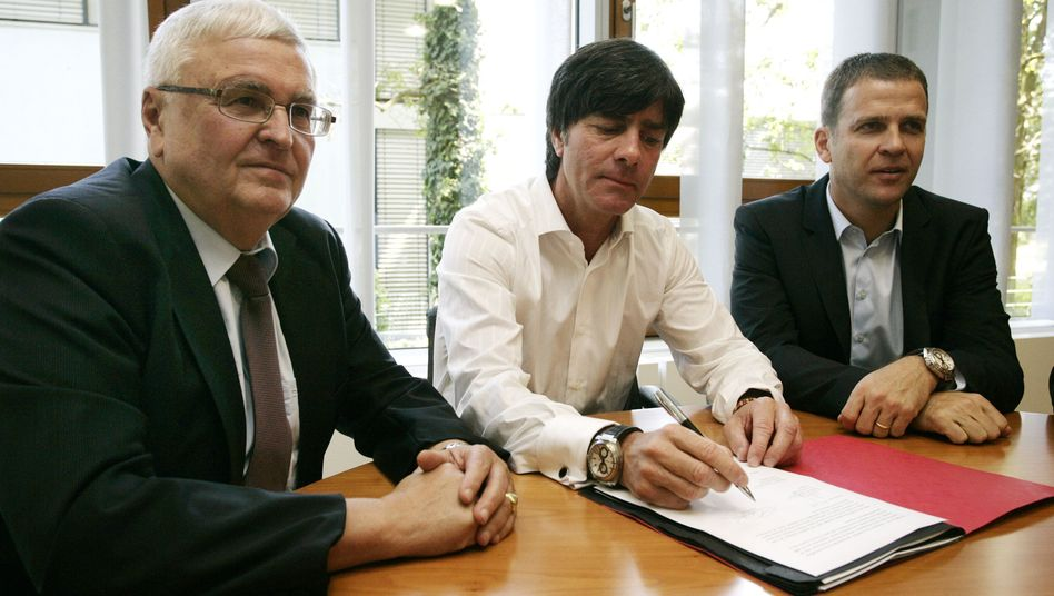 Vertragsverlängerung beim DFB: Einigkeit und Löw und Bierhoff
