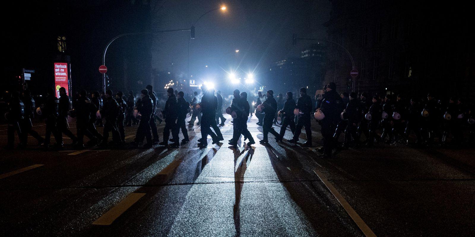 Demonstration gegen G20-Prozess