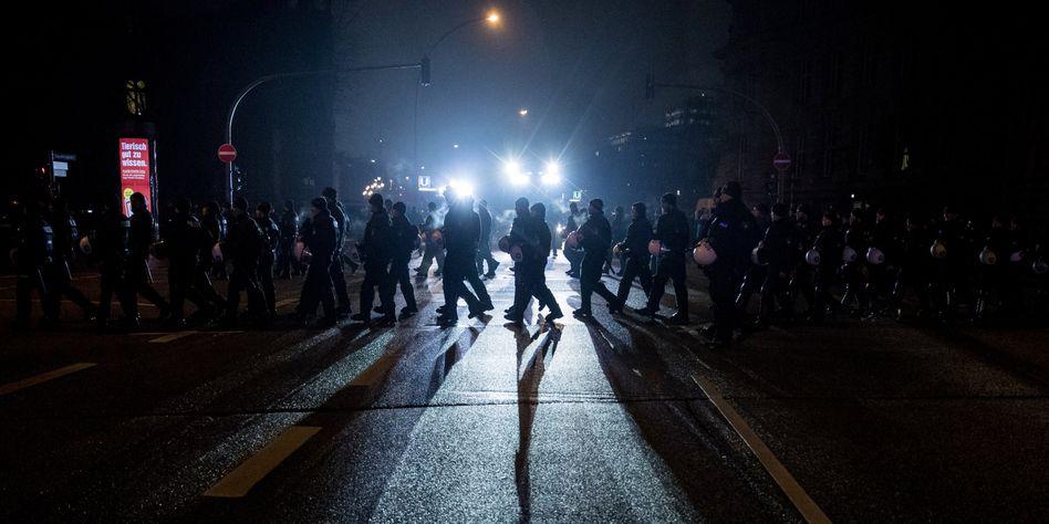 Polizisten beim G20-Gipfel in Hamburg: 85 Prozent Verdächtige aus Deutschland