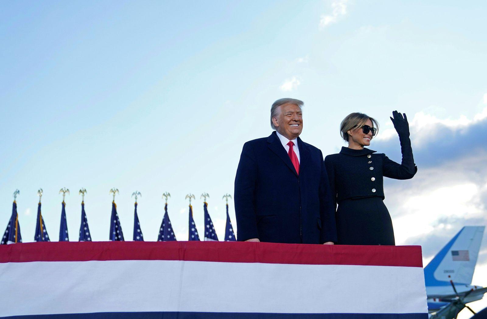 US-POLITICS-DEPARTURE-TRUMP