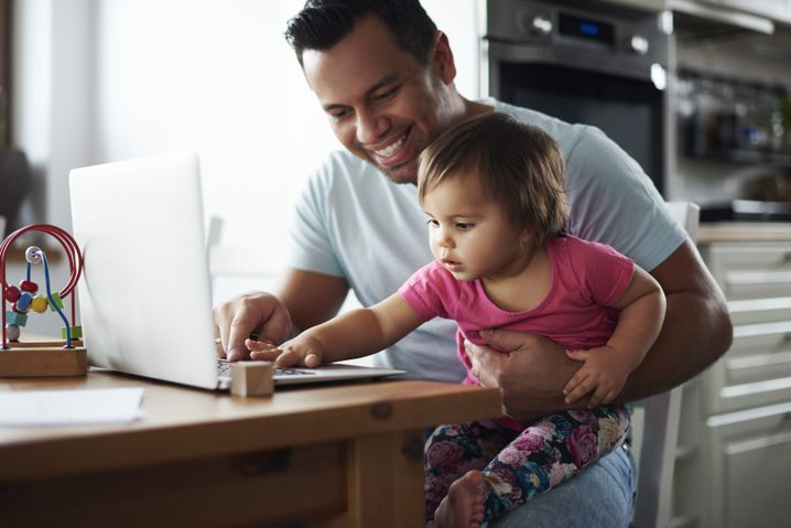 Vereinbarkeit von Beruf und Familie? Dieses Foto suggeriert: kein Problem