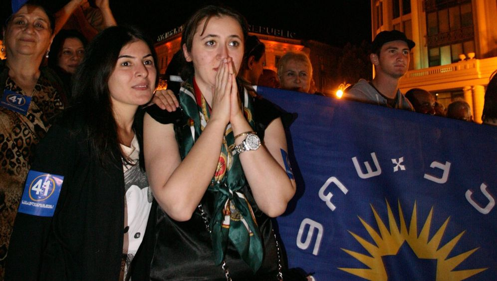 Parlamentswahl in Georgien: Opposition feiert Iwanischwili