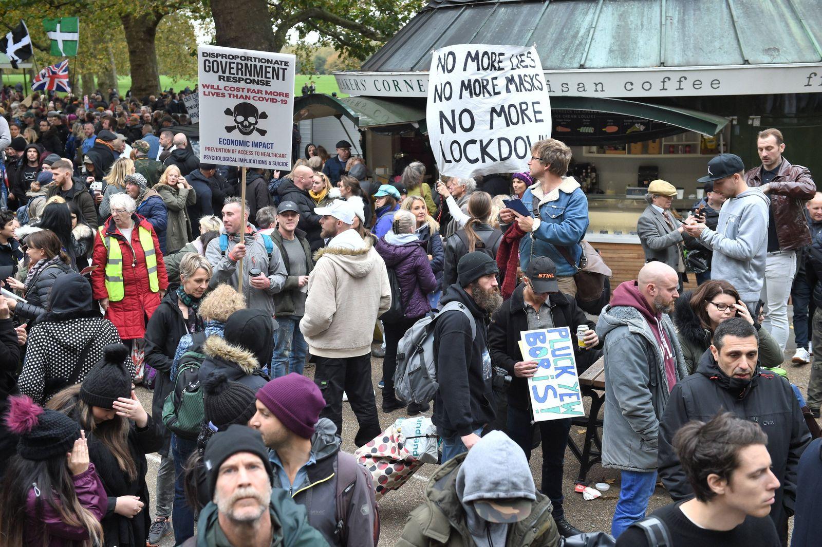 Image Licensed to Parsons Media. 24/10/2020. London, United Kingdom. Anti Covid protest. Anti Covid protesters gather in