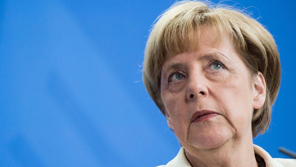 Kanzlerin Angela Merkel: Radikaler Kursschwenk