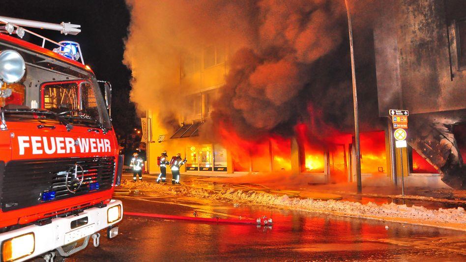Feuerwehrleute: Ein Überstunden-Zwist flammt wieder auf