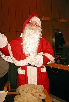 Übeltäter: Student Philipp Honisch als Weihnachtsmann