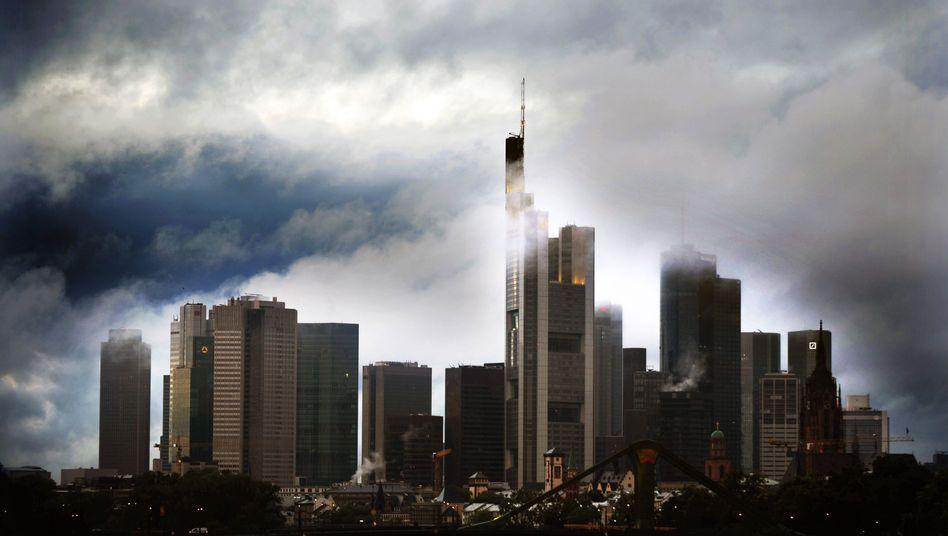 Frankfurter Bankenviertel: Fast sechs Milliarden Euro im Feuer