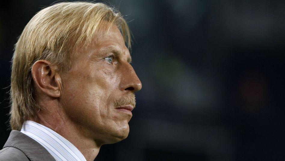 Trainer Daum: Soll die Eintracht vor dem Abstieg bewahren