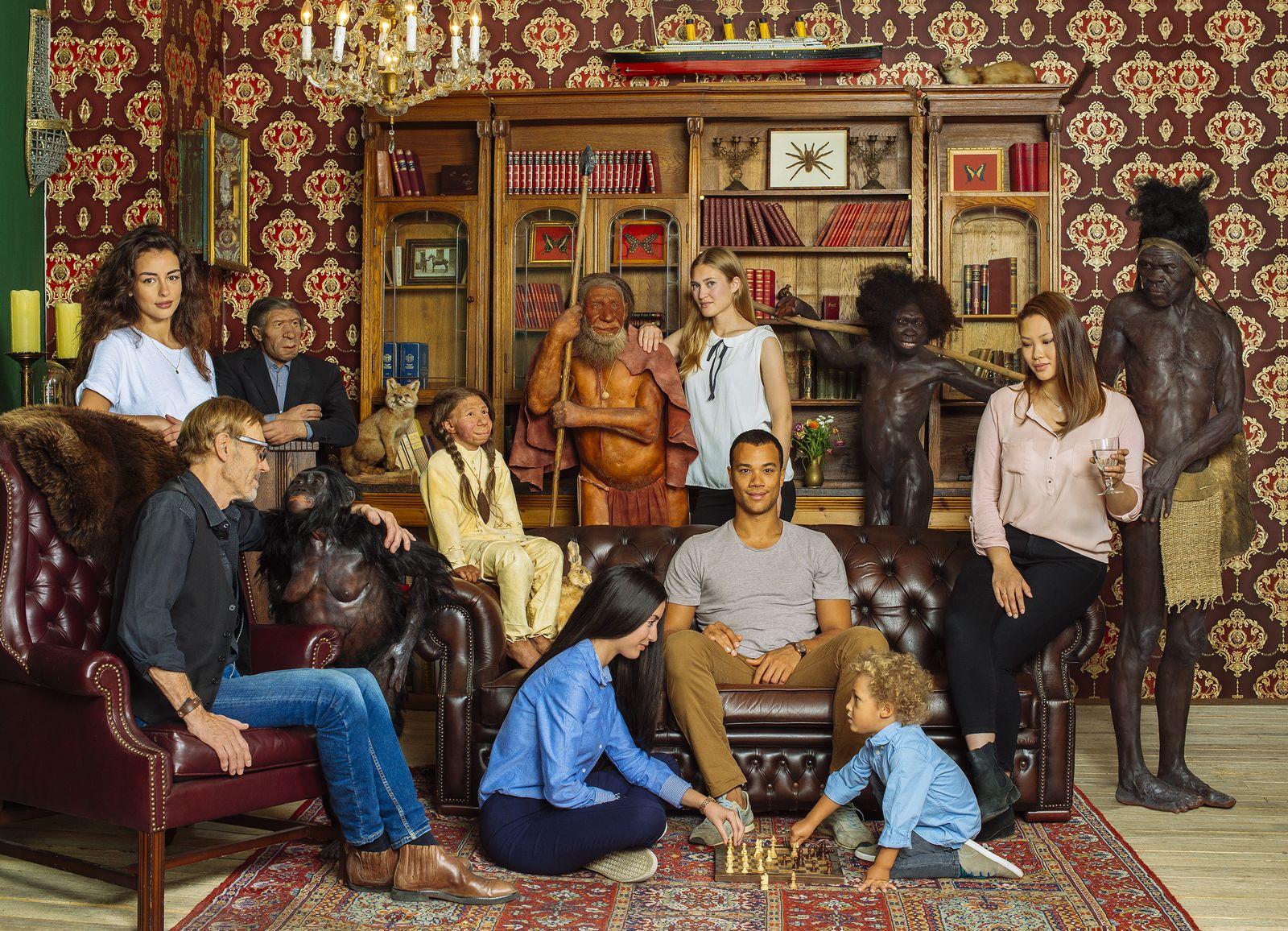 EINMALIGE VERWENDUNG Neanderthal Museum/ Neandertaler/ Familie