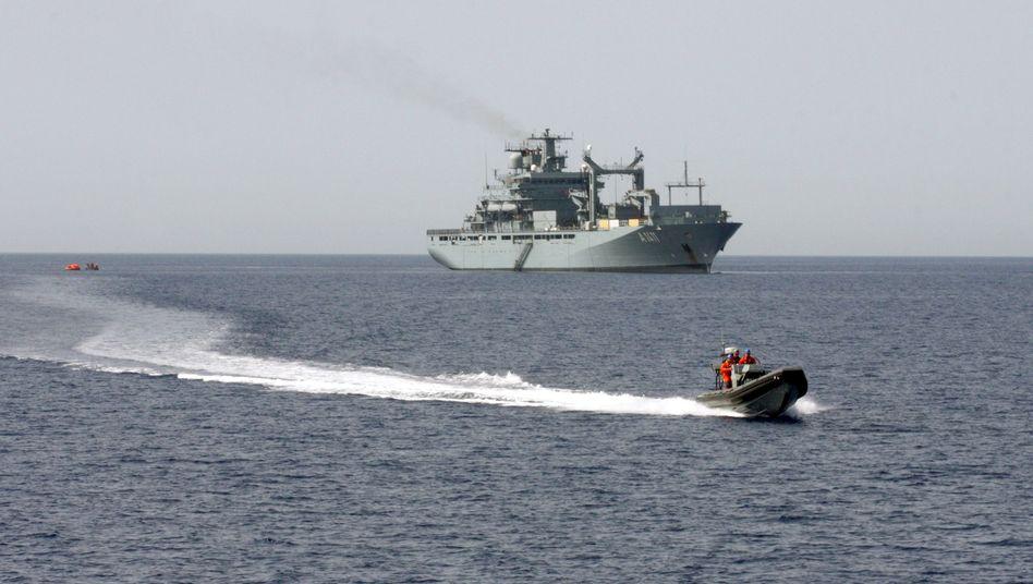 Marine im Mittelmeer: Renzi setzt sich für Bergung des Wracks ein