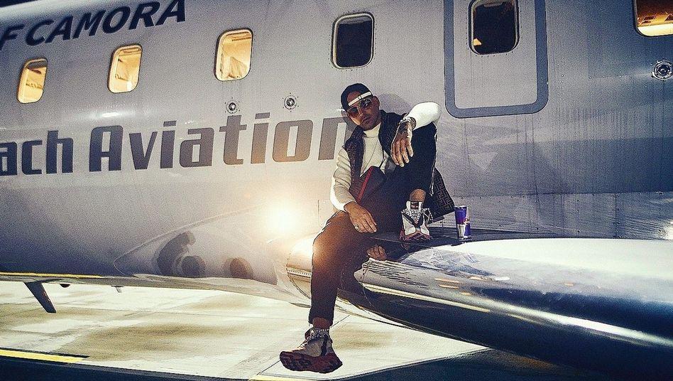 Rapper RAF Camora auf Promotiontour mit Privatjet im Oktober 2019