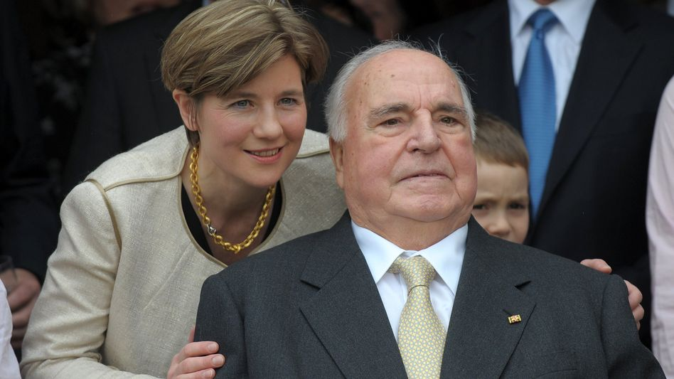Maike Kohl-Richter und Helmut Kohl (April 2010): »Mit einer privaten Helmut-Kohl-Stiftung eigene Wege gehen«