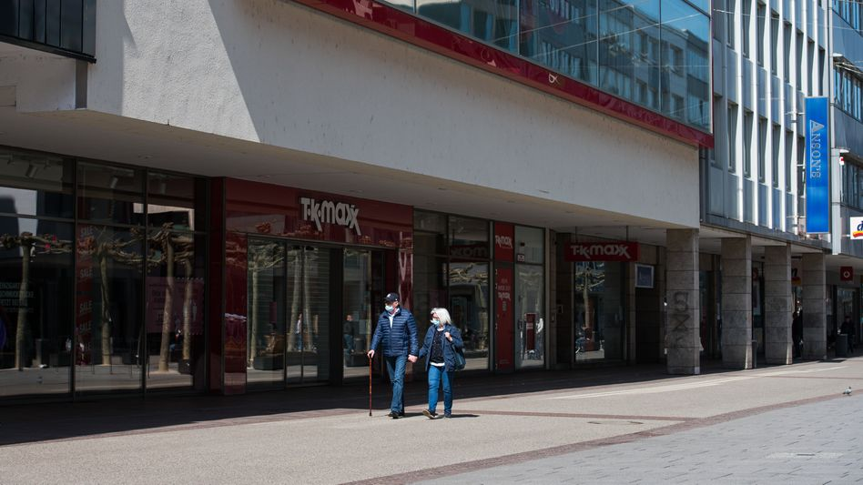 Fußgängerzone in Saarbrücken (im April): Meist zahlen die Firmen drauf