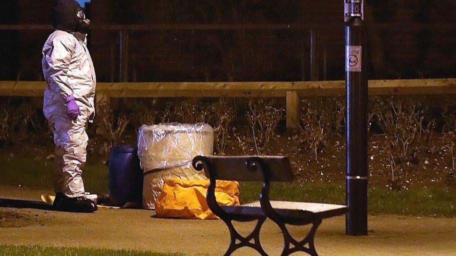 Ermittler am Tatort in Salisbury: Eindeutig ein chemischer Kampfstoff