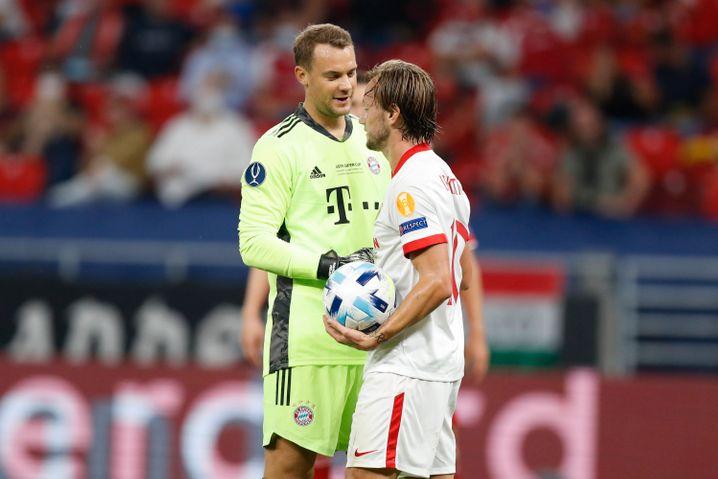 Auch für Sevillas Zugang Ivan Rakitić (r.) war Manuel Neuer der spielentscheidende Mann