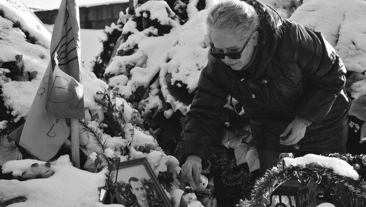 """Ukraine-Krieg: """"Und wenn ich jedes Grab umgraben muss"""""""