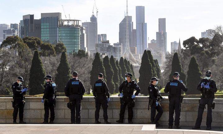 Melbourne: Maskenpflicht, Ausgangssperren, geschlossene Schulen und Kitas