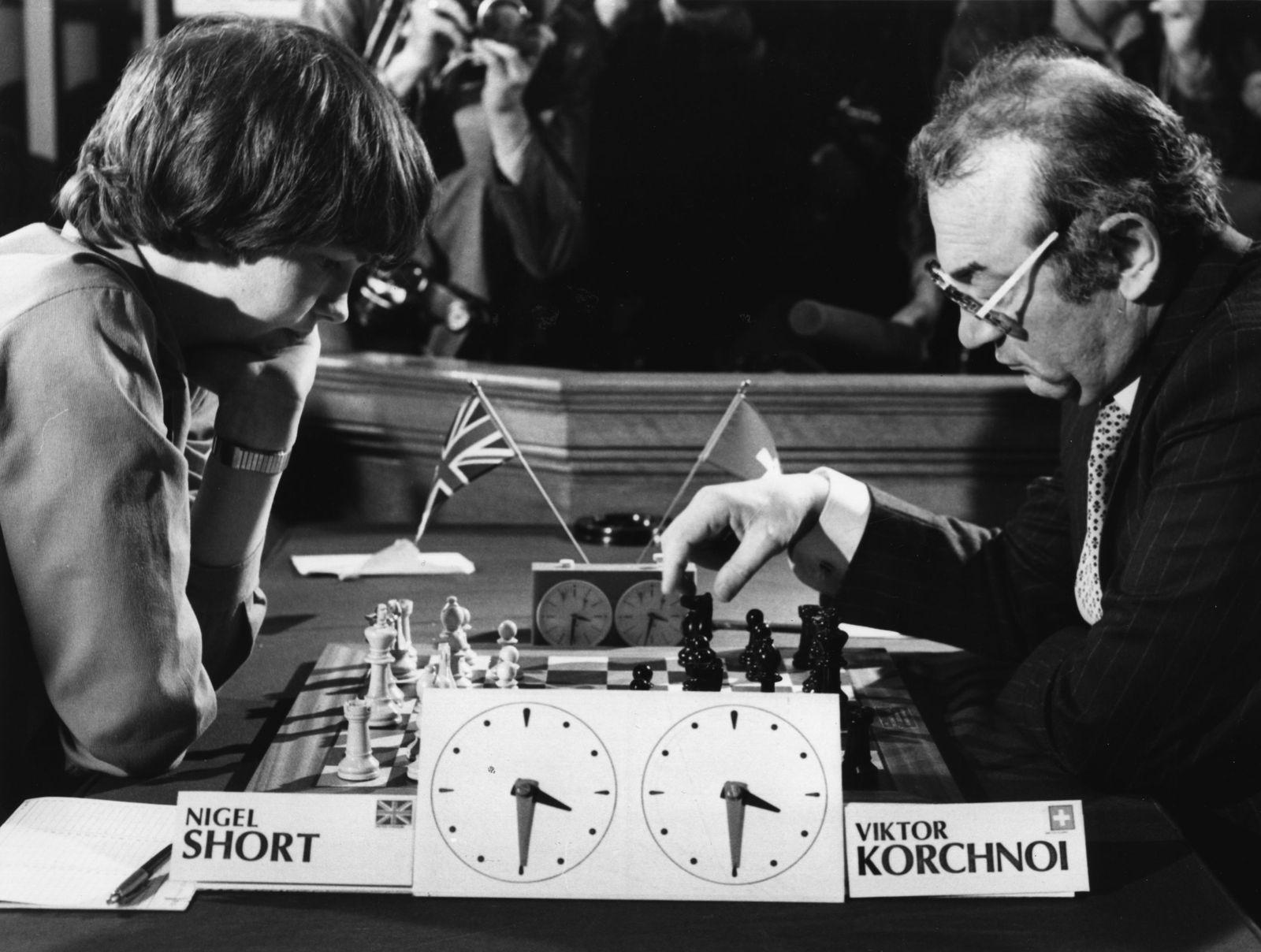 Schach/ Großmeister/ Viktor Korchnoi/ Nigel Short