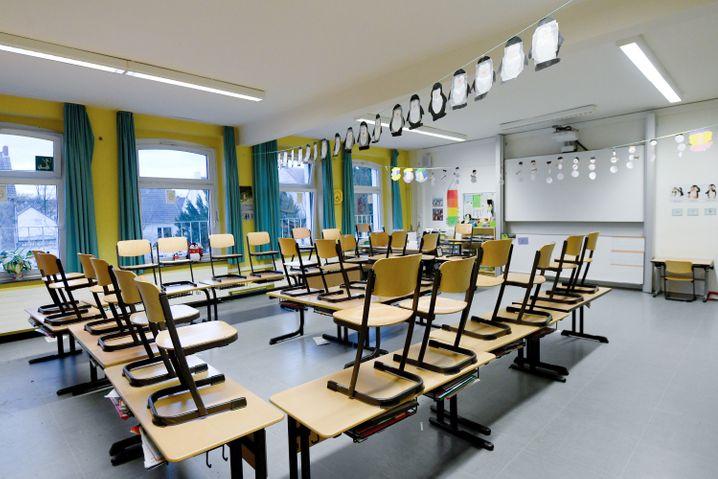 Leeres Klassenzimmer: In Corona-Deutschland ein unerwünschter Zustand (Symbolfoto)