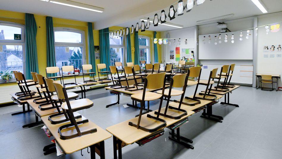 Leeres Klassenzimmer in Nordrhein-Westfalen: Weihnachtsferien wegen Corona-Pandemie bereits ab dem 21. Dezember