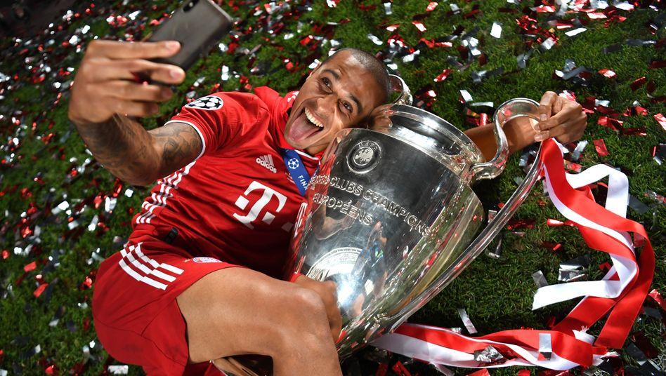 Ex-Bayern-Spieler Thiago nach dem gewonnenen Champions League-Finale 2020: Der Wettbewerb, der vermeintlich abgeschafft wird, existiert schon jetzt nicht mehr