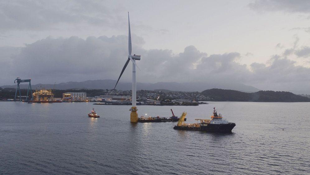 Windpark Hywind: Ein Mast lernt Schwimmen