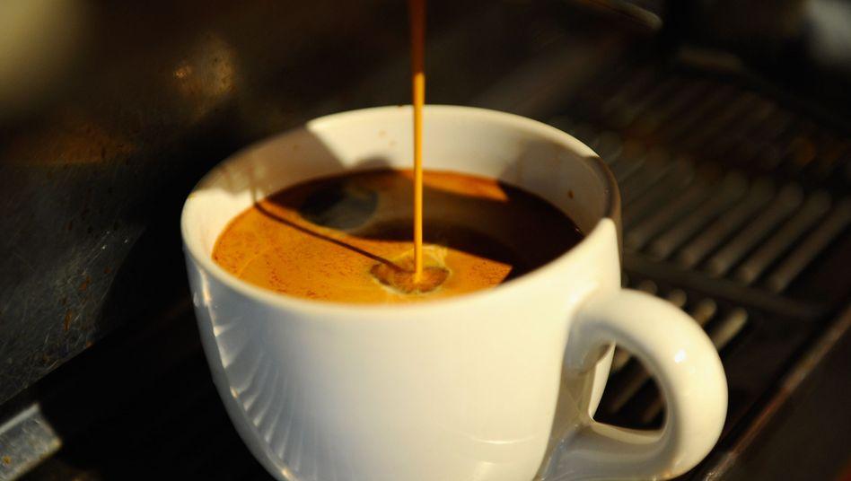 Ein Espresso wird zubereitet
