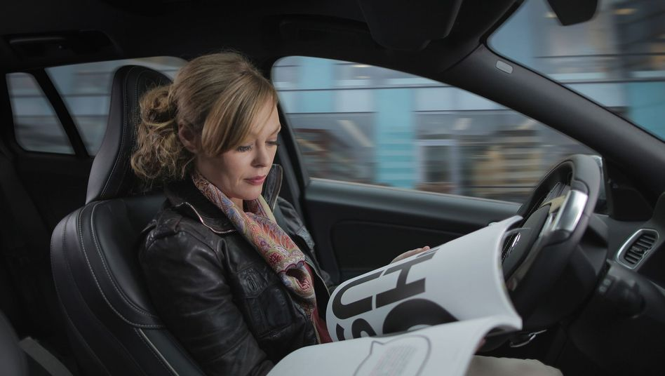 Entspanntes Reisen: Künftig sollen Autofahrer hinter dem Lenkrad lesen können