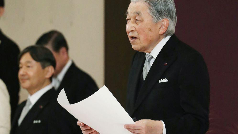 "Kaiser Akihito dankt ab: ""Tiefer Respekt"""
