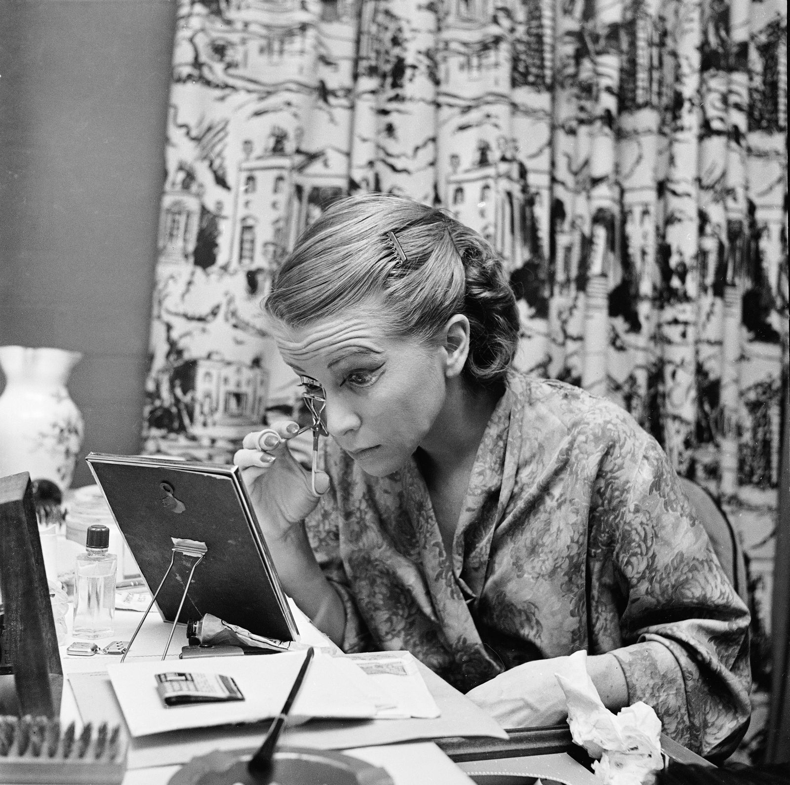 Actress Julie Harris Prepares For Performance Of ´I Am A Camera´